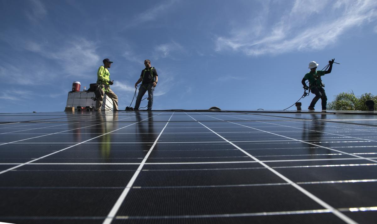 California Residential Roof Solar Installation - Green Solar Technologies